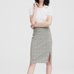 Banana Republic gray & white plaid pencil skirt 2